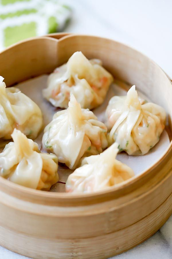Shrimp wontons - easy peasy shrimp wontons recipe with fresh shrimp, wrapped with wonton skin and boil/steam and serve with ginger vinegar sauce. So yummy | rasamalaysia.com | #chinese #dumplings