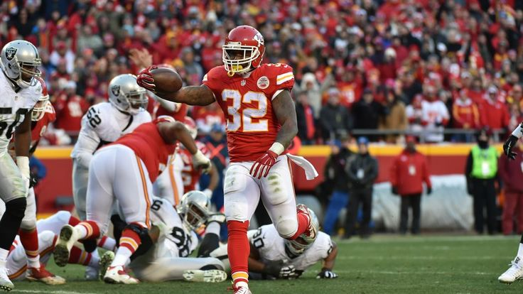 What the stats say about the Chiefs-Raiders game