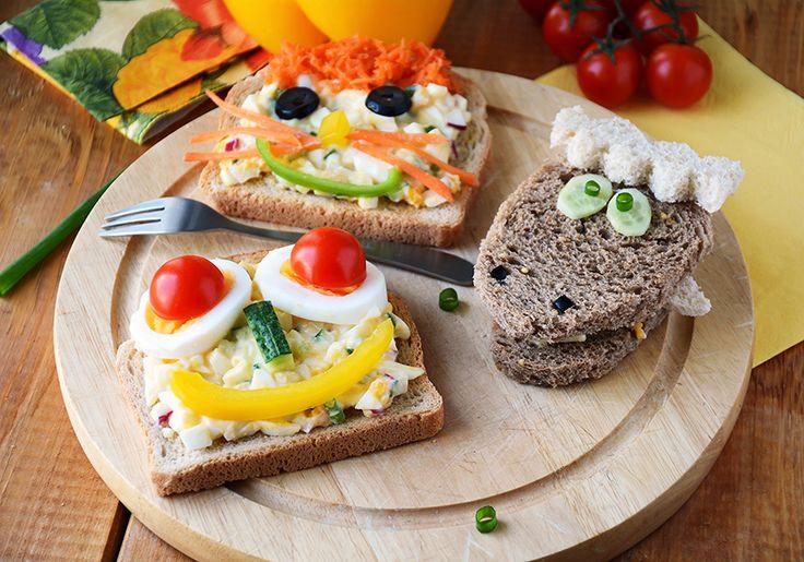 """Δεν είναι νέο, όποιος έχει παιδιά ξέρει ότι δεν είναι πάντα εύκολο να τους δώσεις υγιεινές τροφές, όπως κολοκυθάκια ή μπρόκολο. Από την άλλη, όλα τα παιδιά τρελαίνονται για μπέργκερ, πίτσες, σουβλάκια και λοιπά -όχι πάντα υγιεινά- snacks. Θέλετε την ιδανική ισορροπία ή αλλιώς παιδιά χορτάτα με σωστές τροφές; """"Παντρέψτε"""" τα!"""