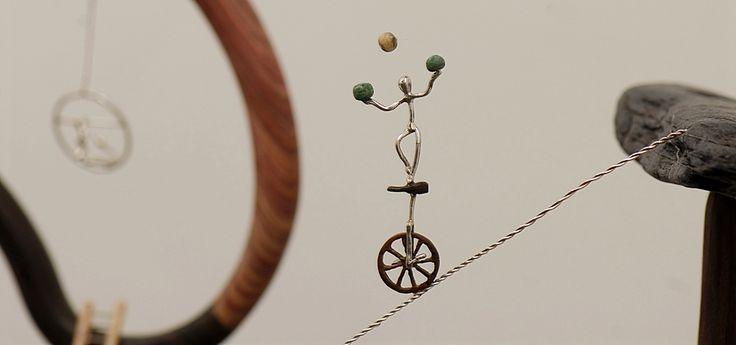"""L' Équilibriste : détail de la sculpture """"Cirque de Rêve"""""""