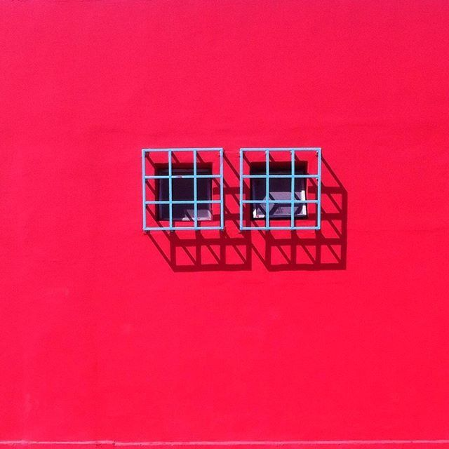 Minimal windows in Santiago de chile by @laciudadalinsta  #instagood #instastgo #instachile #santiagodechile #facade #stgoalinstante #minimal #minimalistic #windows #travelchile #enterrenochile #santiagoadicto ✌️✌️✌️