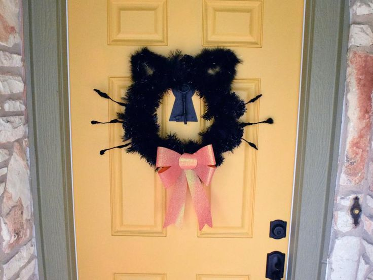 10 funny and cute diy halloween wreaths - Halloween Decorations Crafts