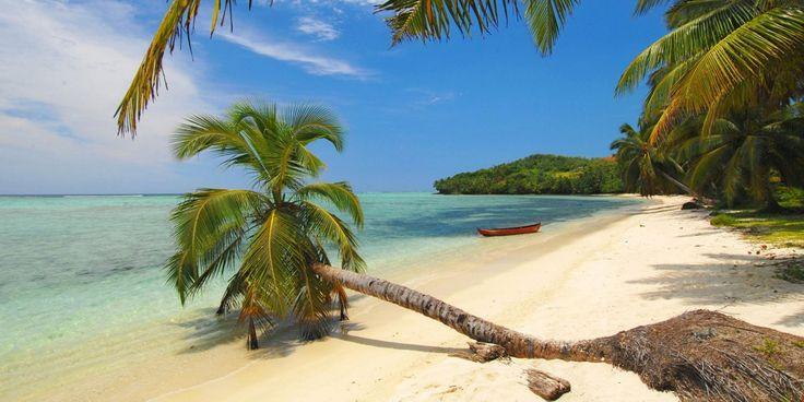 Incentives - MAURITIUS - Sonriso | Travel in Style Niekończące się piaszczyste plaże, wspaniałe afrykańskie słońce, ciepłe wody Oceanu Indyjskiego, kolorowe rafy pełne przeróżnych gatunków morskich stworzeń, wyjątkowo przyjaźni mieszkańcy i przepiękna tropikalna przyroda sprawiają, że Mauritius to idealne miejsce na wypoczynek.