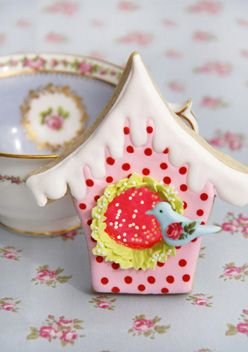 darling birdhouse cookie from Cakes Haute Couture