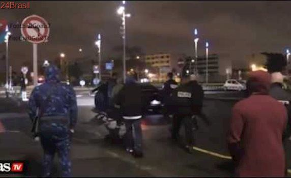 Thiago Motta ramming a PSG fan with his car after the Barcelona defeat