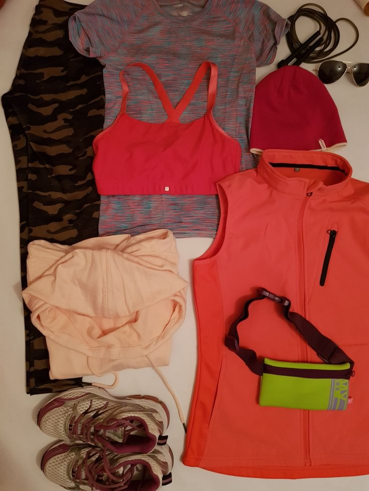 Run active women s jogging KARRIMORE shoes size 38 Women s  running camuflaj legging BERSHKA size xs Run dry womens running T shirt short sleeve size 10-12 work out by Atmosphere Running wind and rain proof vest  coral size M BENCH  women s running hooded jacket pink size M Sportance confort running bra pink Adult pink hat DECATHLON sunglasses Adult skipping rope black Running waistband