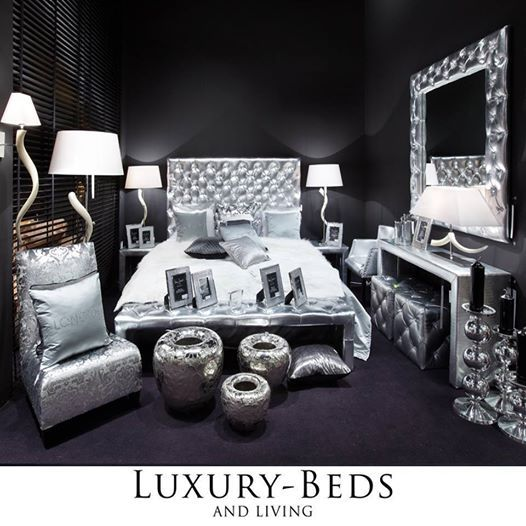 Sølv er bedre enn gull ! Stilig og monokromt soverom for hver person som elsker luksus.