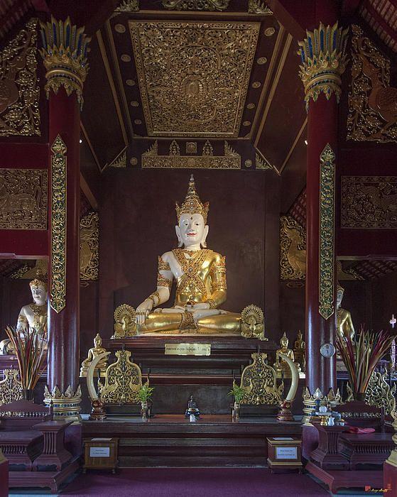 2013 Photograph, Wat Montien Phra Ubosot Principal Buddha Image, Tambon Sri Phum, Mueang Chiang Mai District, Chiang Mai Province, Thailand, © 2013.  ภาพถ่าย ๒๕๕๖ วัดมณ้ฑียร พระประธาน พระอุโบสถ ตำบลศรีภูมิ เมืองเชียงใหม่ จังหวัดเชียงใหม่ ประเทศไทย