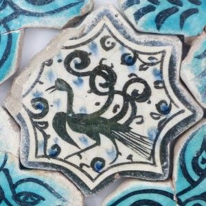 Karatay Medrese, Konya : Single Tile Motifs with Cross Tiles – Haç Karo ile Tek Karo Motifleri-Phoenix Designs – Anka Motifleri