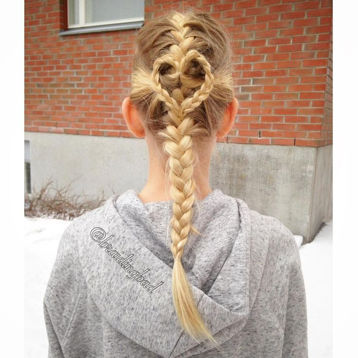 """111 tykkäystä, 10 kommenttia - Heli (@braidingbad) Instagramissa: """"Valentine's Day is getting closer ❤ Here's a #frenchbraid with a #braidedheart accent ❄️ ~…"""""""
