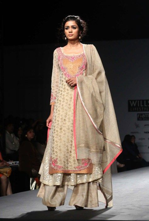 http://www.VineetBahl.com/ at Wills Lifestyle India Fashion Week #WIFW AW 2014