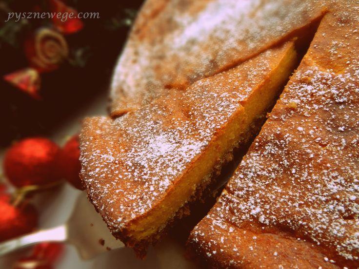 To ciasto pachnie i smakuje Świętami. :) Dynię kupiłam, żeby zrobić placki, ale w wyniku eksperymentu powstał sernik, który z pewnością podbije Wasze serca i kubki smakowe. Smacznego! :) Składniki:…