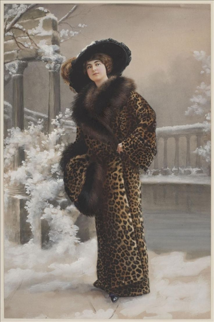 Nelly Martyl, singer at the Opéra Comique, wearing a daring leopard coat with matching giant muff from fur fashion house Max Fourrures (hand painted photo) - photo Studio Talbot circa 1908 © Talbot / Galliera / Roger-Violle