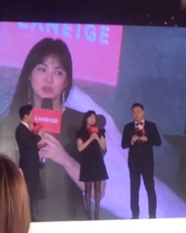 """Laneige's Global Brand Ambassador Song Hye Kyo talks about the new #SilkIntenseLipstick. """"Red is my favorite color. I feel confident in red. This color definitely attracts people's attention"""" she shared to the audience. Watch more videos from Laneige Silk Intense Lipstick Global Media Conference on @elleidlive #AllEyesOnMe #LaneigeIndonesia #SongHyeKyo (Associate Fashion Editor @erikataniad)  via ELLE INDONESIA MAGAZINE OFFICIAL INSTAGRAM - Fashion Campaigns  Haute Couture  Advertising…"""