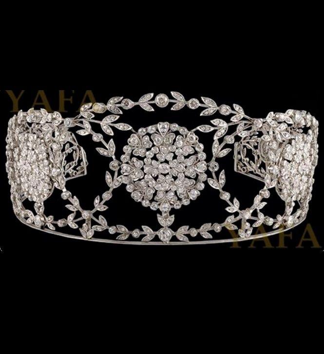 An Edwardian Diamond Tiara. This tiara was worn by Catherine Zeta Jones on her wedding day, year 2000 at Plaza Hotel, New York. #Edwardian #tiara