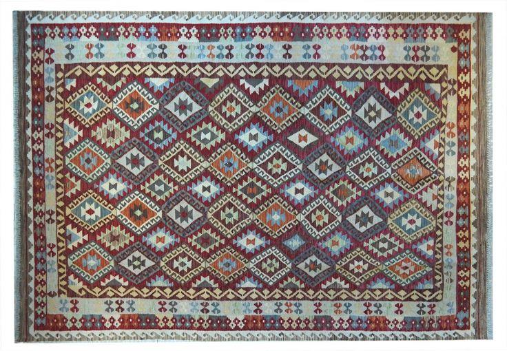 KILIM KAUDANI VECCHIO Lana molto fine, vecchia annodatura, colori naturali. #tappeti #persiani #orientali #kilim #vintage #orientalrugs #persianrugs #milano