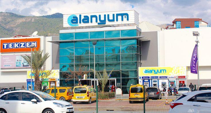 I bydelen oba ligger shopping centeret Alanyum. Alanyum byder på et stort udvalg af shopping muligheder. Alanyum er et 3
