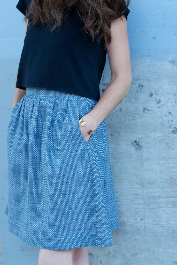 Easy skirt made with Robert Kaufman's new Dot Chambray in Indigo fabric that you can find at flarefabrics.ca Pattern by Liesl Co.