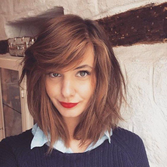 Tagli capelli fini: long bob e frangetta laterale