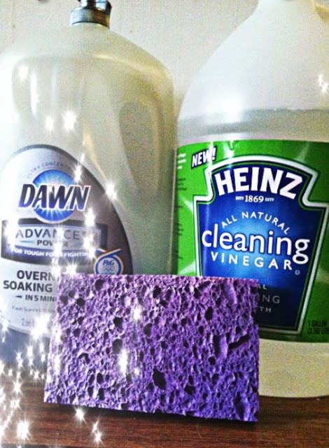 Cleaning your micro suede Couch free from all spots she also uses this  serum to clean. 25  best ideas about Cleaning Suede Couch on Pinterest   Cleaning