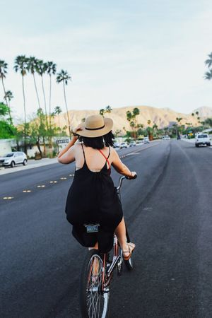 The best things to do in Palm Springs, California. The ultimate hipster  city guide to Palm Springs full of the best places to eat, drink and shop,  plus where to stay in Palm Springs!