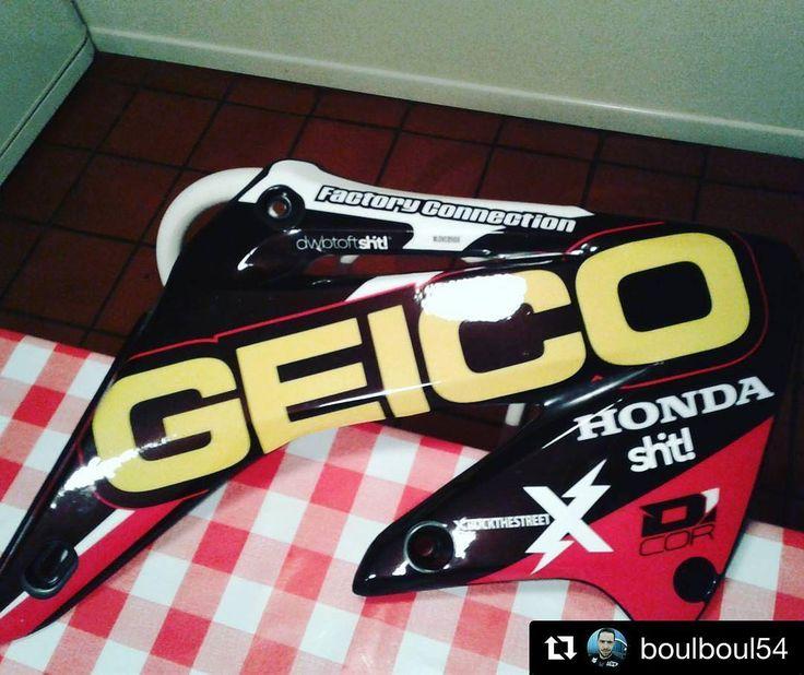 sht! -> #Repost @boulboul54 2017  back to geico style . #rockthestreet #dwbtoftshit #geico #125cr #2strokesonly #2stroke #mx #motocross #supercross #dcor