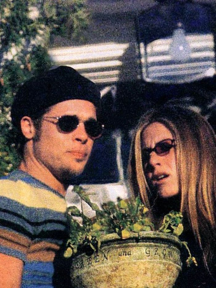 Brad Pitt Is The Only 90s Style Icon That Matters Hear Me Out Brad And Jen Brad Pitt And Jennifer Brad Pitt Jennifer Aniston