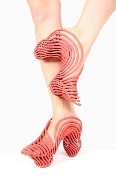 3D printed shock absorbing shoes graduation project designed by Neta Soreq