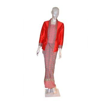 Rimba Kabaya Classic Set-ST01035 (Red) Top blouse (cm) Sizes S M L XL Shoulder 36 38 40 42 Bust 42 45 47 53 Sleeve length 53 54 54 54 ** Measurement are taken flat in centimetre, double for full body, example, bust  45 x 2=90cm , ** Allow 1-2 cm differences Pario (cm) S - ... #bajukurung #bajukurungmoden