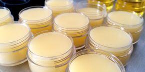 Μετά από την κλασσική συνταγή για Κεραλοιφή, σας παρουσιάζουμε 4 ακόμα συνταγές, που εκτός από Κερί Μέλισσαςπεριέχουν αιθέρια έλαια και...