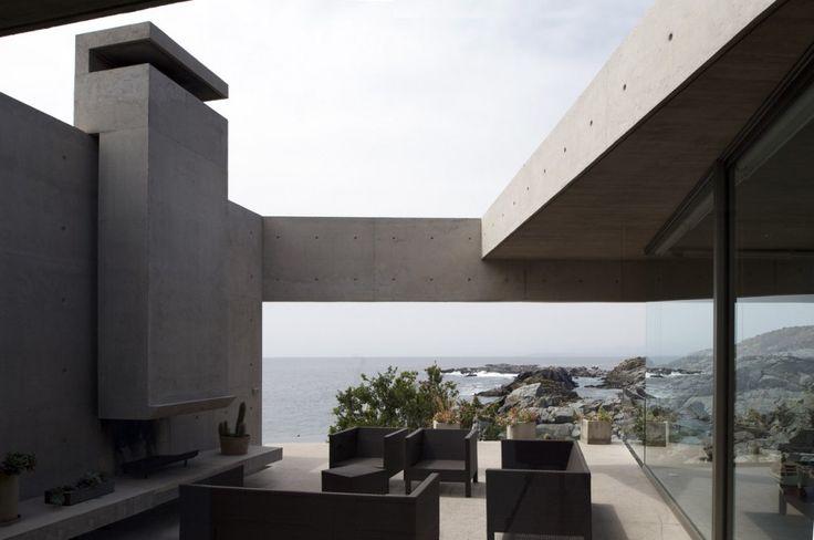 2 Houses in Punta Pite / Izquierdo Lehmann