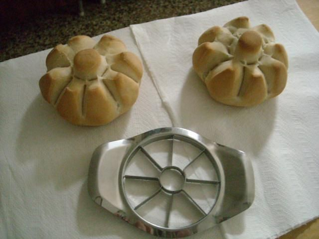 Apple slicer bread shape