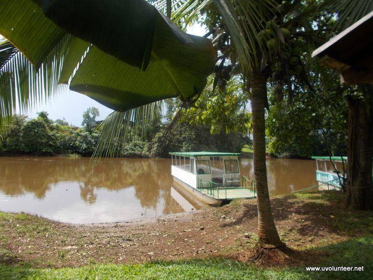 Boat trip in Costa Rica.  https://www.uvolunteer.net/  volunteer opportunities, volunteer overseas, volunteer organization, volunteer opportunities abroad, volunteer work