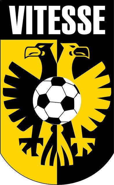 Vitesse (Stichting Betaald Voetbal Vitesse) / Arnhem | Country: Netherlands / Nederland. País: Países Bajos. | Founded/Fundado: 1892/05/14 | Badge/Crest/Logo/Escudo.