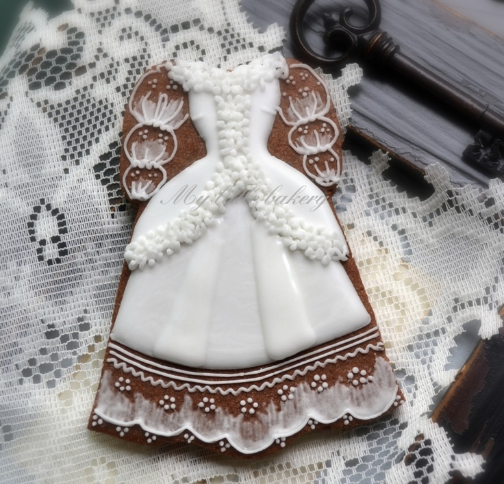 beautiful, old-fashioned wedding dress cookie