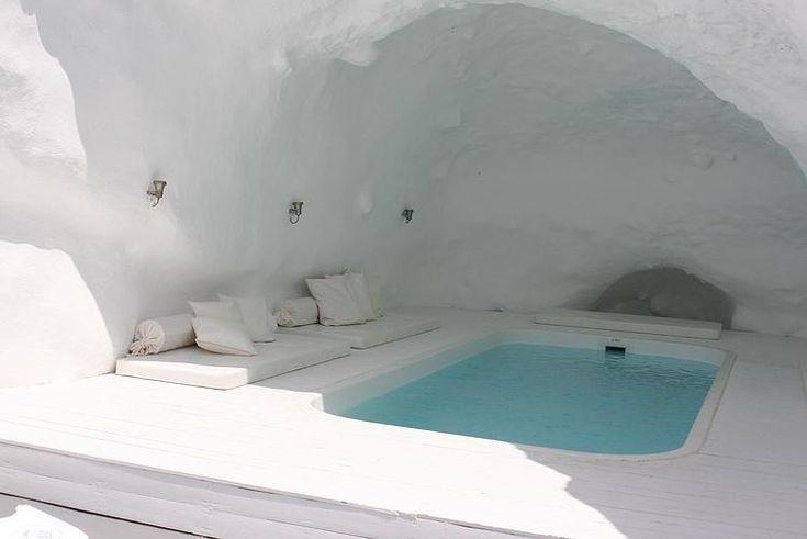 """""""Cave pool"""" at the Katikies Hotel in Santorini, Greece"""