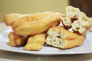Setiap orang Cina pasti kenal yang namanya Cakwe atau cakoi. Di negara asalnya Tiongkok, cakwe adalah makanan sarapan teman susu kacang kede...