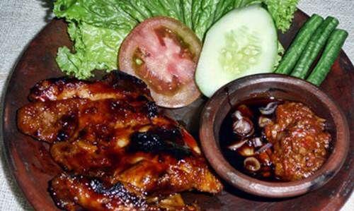 Resep Ayam Panggang Spesial Bumbu Kecap - http://resepindonesia.net/resep-ayam-panggang-spesial-bumbu-kecap/