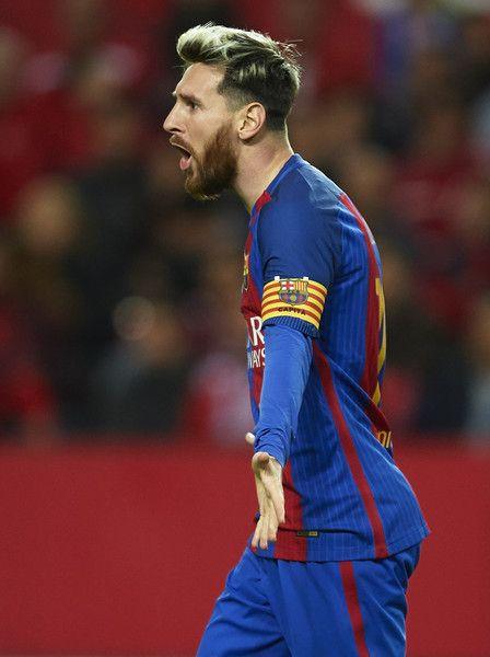 Lionel Messi of FC Barcelona  celebrates after scoring during the match between Sevilla FC vs FC Barcelona as part of La Liga at Ramon Sanchez Pizjuan Stadium on November 6, 2016 in Seville, Spain.