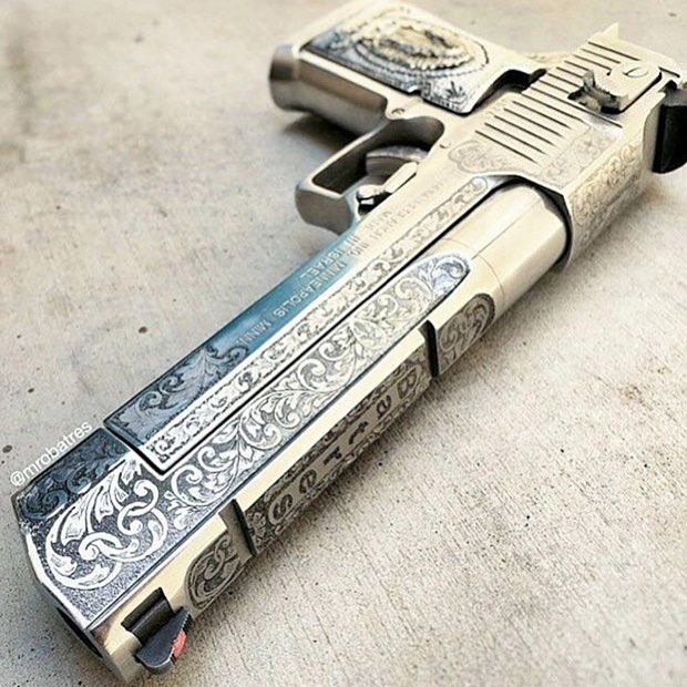 ♣️ Desert Eagle with beast design. @mrobatres