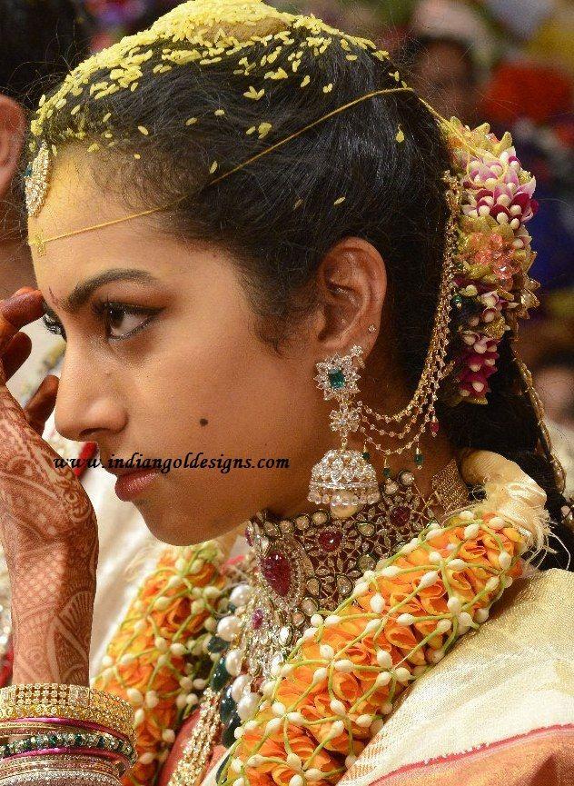 Diamond champaswaralu, buttalu...and look at that diamond choker!!! O.o