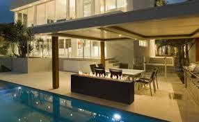 Fuego piscina exterior