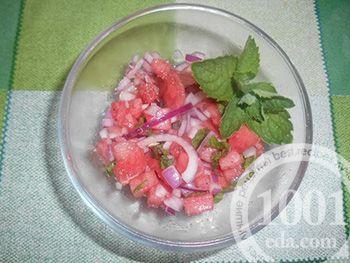 Летний салат из арбуза