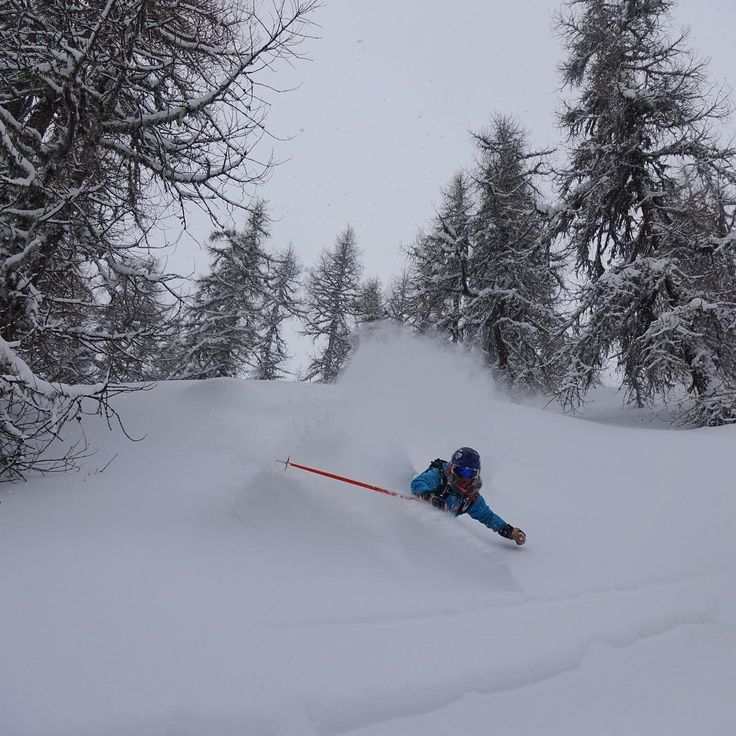 HH Ambassador @ nikolinabolvede thinks back to skiing pow!