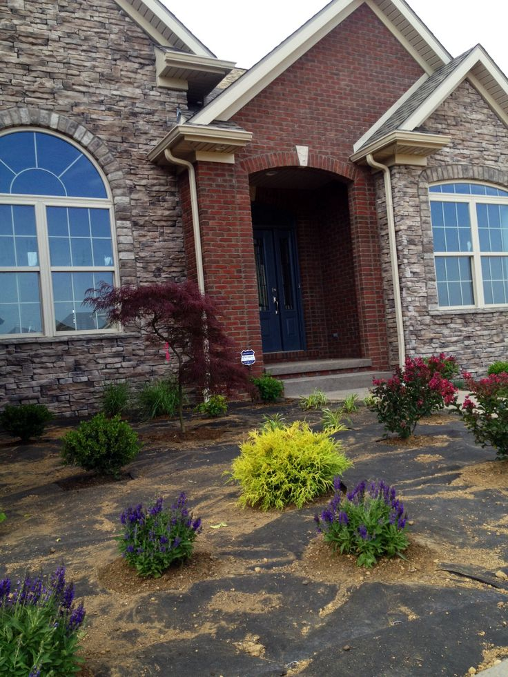 Brick Exterior: Red Brick + Stone Home. #elpersforeverhome General Shale