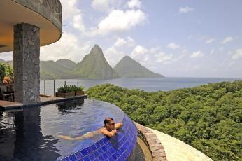 Suite med pool på Jade Mountain på St. Lucia i Caribien