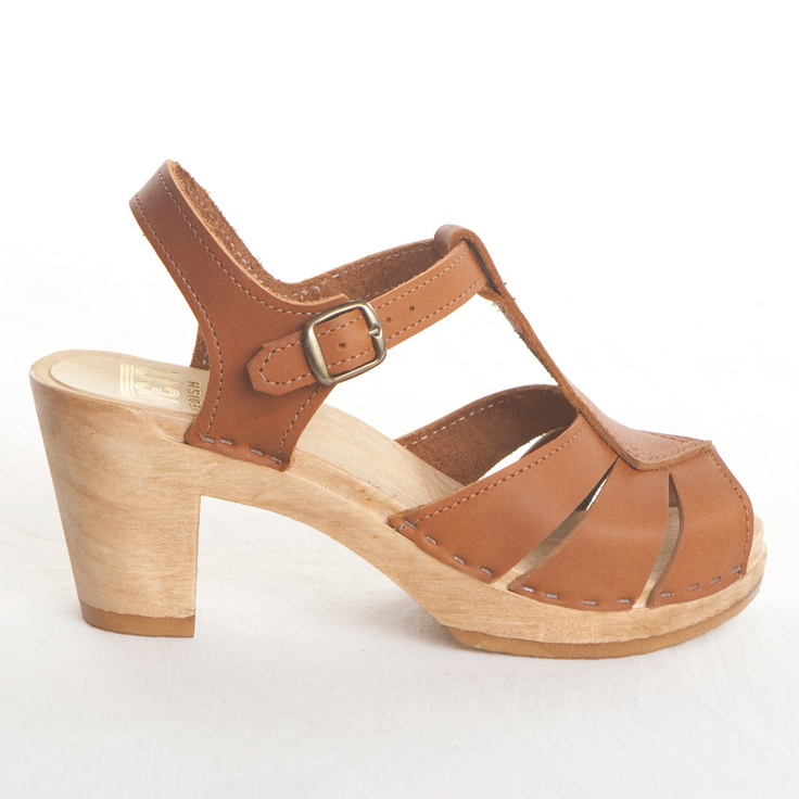 Eek!  35% off of Sven Clogs.  I just bought a pair :)