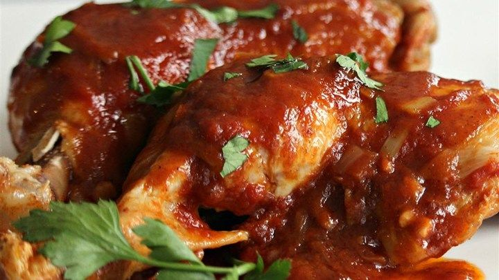 This quick and easy chicken recipe uses a pressure cooker to yield moist, flavorful chicken with barbeque sauce in under 30 minutes.