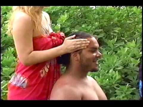 Lomi Lomi Massage 3 - Hawaiian Tradition