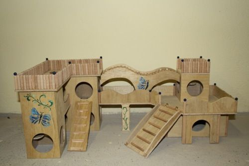 Wow!! Would love to build something like this for our roborovski hamster and the kids love castles! X
